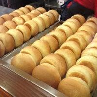 Foto tomada en Fuddruckers por Mario el 6/12/2012