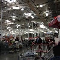 Photo prise au Costco Wholesale par InTheMixWithTre le3/3/2012