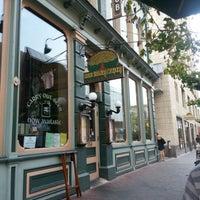 Foto tomada en Arbor Brewing Company por Janelle H. el 8/26/2012