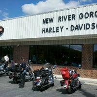 9/12/2012에 Deborah B.님이 New River Gorge Harley-Davidson에서 찍은 사진
