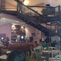 Foto diambil di Famosa Pizza oleh José Luiz M. pada 4/23/2012