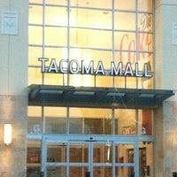 Foto tirada no(a) Tacoma Mall por Normajean S. em 5/18/2012