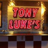 Foto scattata a Tony Luke's da Darrel J. il 3/12/2012