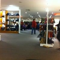 3b66d7b8639 ... Foto tomada en Loja Mundial Calçados por Leonardo P. el 9 14 2011