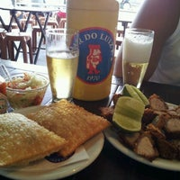 Foto tirada no(a) Bar do Luiz Fernandes por Marcio G. em 4/15/2012