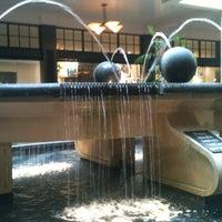 Foto tirada no(a) Perimeter Mall por Floyd B. em 2/18/2012