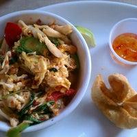 Снимок сделан в Lulu's Thai Noodle Shop пользователем Peter I. 7/12/2012