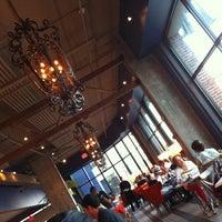 Foto tirada no(a) Alto Restaurant por Sarah G. em 5/20/2012