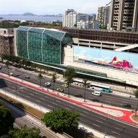 Foto tirada no(a) Shopping RioSul por Andrea   D. em 3/11/2012