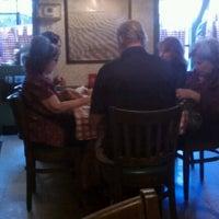Foto scattata a Casa Bianca Pizza Pie da Billy B. il 5/13/2012