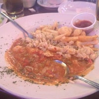 Foto diambil di Dodie's Cajun Restaurant oleh Quin M. pada 8/26/2012