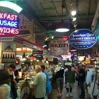 8/16/2012にScott T.がリーディング ターミナル マーケットで撮った写真