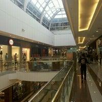 รูปภาพถ่ายที่ Shopping Anália Franco โดย Carlos C. เมื่อ 1/7/2012