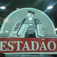 Foto tirada no(a) Estadão Bar & Lanches por Ph F. em 1/12/2012