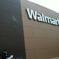 Снимок сделан в Walmart Supercenter пользователем Nicole M. 5/14/2012