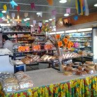 Foto tirada no(a) Panificadora Nogueira por Deborah A. em 6/21/2012