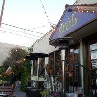รูปภาพถ่ายที่ Grub โดย Alex F. เมื่อ 6/30/2012