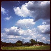 Foto scattata a Zilker Park da Jason F. il 4/8/2012