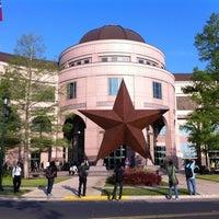 Foto tomada en Bullock Texas State History Museum por Driss A. el 4/11/2012