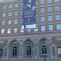 Foto tomada en Symphony Center (Chicago Symphony Orchestra) por Kimberly G. el 9/9/2012