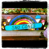 Das Foto wurde bei Rainbow Sno-Cones von Amanda M. am 3/3/2012 aufgenommen