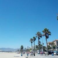Foto tomada en Boardwalk - Santa Monica Beach por scott .. el 9/1/2012