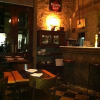 6/9/2012にGilberto B.が62 Barで撮った写真