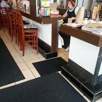 Das Foto wurde bei Spring Garden Restaurant von Andre W. am 7/26/2012 aufgenommen