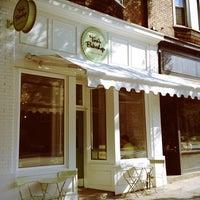 8/8/2012にSean W.がTori's Bakeshopで撮った写真