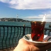 Photo prise au Çınaraltı Cafe par Ersin Ö. le6/7/2012