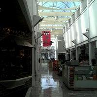 Foto diambil di Galería Del Calzado oleh César pada 6/14/2012