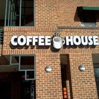 Photo prise au New World Coffee House par Whitney H. le1/20/2012