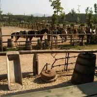7/20/2012 tarihinde Onur M.ziyaretçi tarafından Laren Safari Park'de çekilen fotoğraf