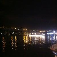 8/11/2012 tarihinde Osman E.ziyaretçi tarafından Mavi Haliç Cafe'de çekilen fotoğraf