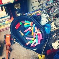 Photo prise au Grandma's Antiques par Garrio H. le3/10/2012