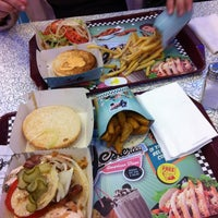 Foto tirada no(a) Yesterday American Diner por Dreivid em 12/10/2011