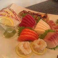 5/8/2012 tarihinde Efrain M.ziyaretçi tarafından Kyoto Sushi Bar'de çekilen fotoğraf