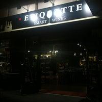 Photo prise au Etiquette par Agus V. le6/19/2012