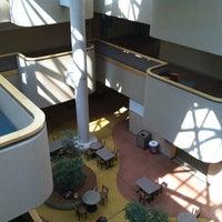 รูปภาพถ่ายที่ Dane Smith Hall โดย Connie H. เมื่อ 7/28/2011