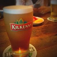 Das Foto wurde bei World Beer Pub & Foods BULLDOG von superjo2 am 7/22/2012 aufgenommen