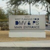 Foto tirada no(a) State of Nevada Department of Motor Vehicles por John S. em 11/10/2011