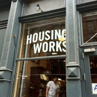 6/25/2011にH C.がHousing Works Bookstore Cafeで撮った写真