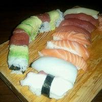Foto tomada en Cherin Sushi por Mike W. el 10/15/2011