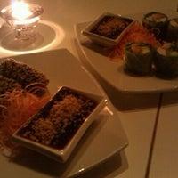 Das Foto wurde bei Beau Thai von Melody W. am 12/25/2011 aufgenommen