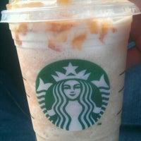 Foto scattata a Starbucks da Jorey B. il 4/29/2012