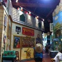 รูปภาพถ่ายที่ El Meson de Pepe Restaurant & Bar โดย Kelvis D. เมื่อ 5/27/2012