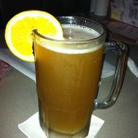 Foto diambil di Pluckers Wing Bar oleh JJ A. pada 10/7/2011