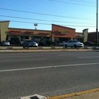 4/24/2012にRuben L.がBedrock City Comic Co.で撮った写真