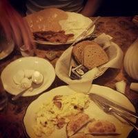Das Foto wurde bei Sulimay's Restaurant von Annel M. am 9/7/2012 aufgenommen