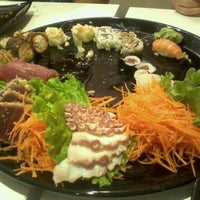 Foto tirada no(a) Kurokawa Sushi Bar por Marco G. em 11/1/2011